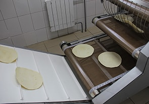 Commissioning of automatic line for tortilla production is carried out near Kiev